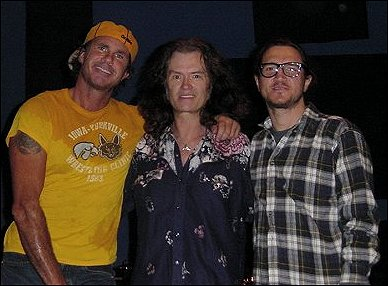 Glenn with some of the Red Hot Chili Peppers - November 2003